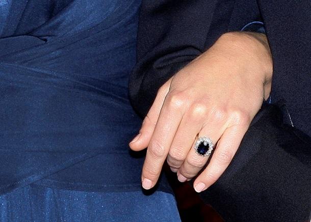 Принц Гарри подарил Меган Маркл кольцо Дианы 2